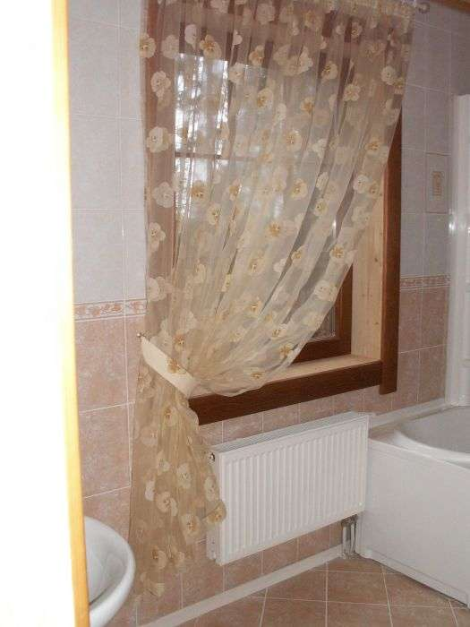 Окно в ванной своими руками 28